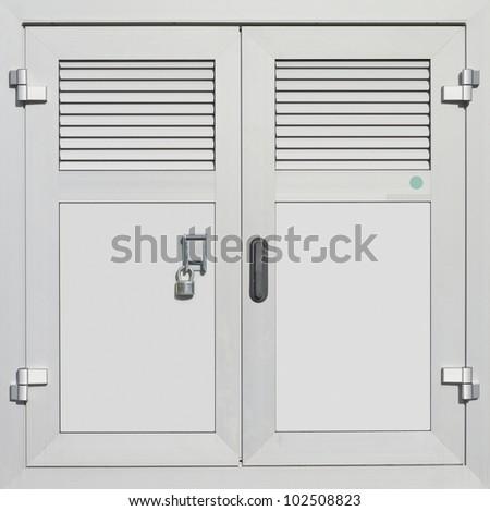 Aluminum outdoor power distribution box