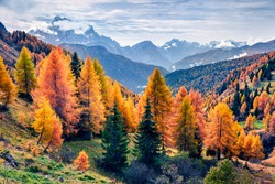 Amazing morning view from the top of Giau pass. Colorful autumn landscape in Dolomite Alps, Cortina d'Ampezzo location, Italy, Europe. Beauty of nature concept background.
