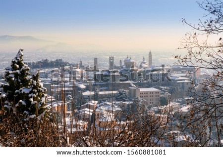 Amazing view of the old buildings of Citta Alta, Bergamo under a layer of snow Foto d'archivio ©