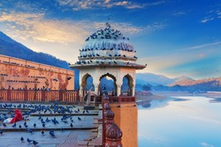 Amber Fort elements, view on the Maotha Lake near Jaipur, Rajasthan, India