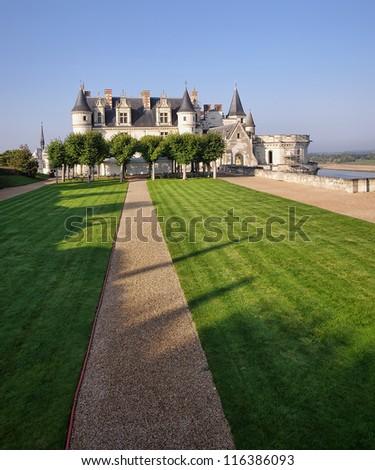 Amboise castle yard