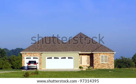 American Country Home With Garage