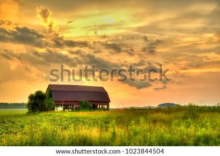 american midwest barn landscape....