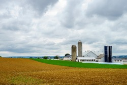 Amish country farm barn field agriculture in Lancaster, PA