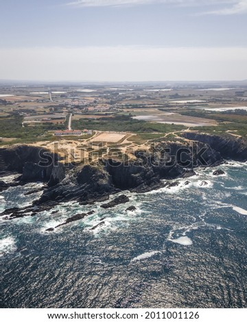 An aerial view of Farol do Cabo Sardao, along the wild coastline near Vila Nova de Milfontes Foto stock ©