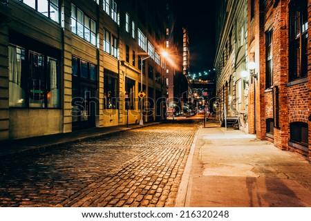 stock photo an alley at night in brooklyn new york 216320248 - Каталог — Фотообои «Улицы, переулки»