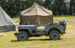 an american military jeep vehicle of wwii