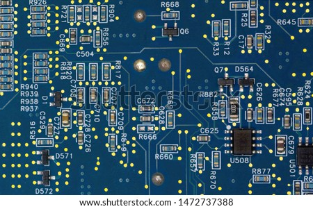 An electronic device, usually fabricated by photolithography, that is very small and implements several components. #1472737388