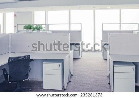 An empty office room and office table