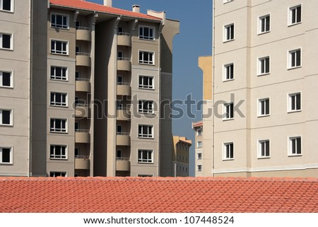 an image of apartment buildings from residential area