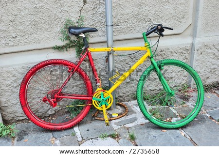 an italy tree color bike