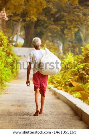 An old farmer And livelihood