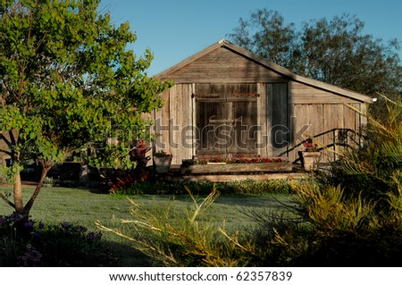 An old garden potting shed in rural queensland australia for Garden shed qld
