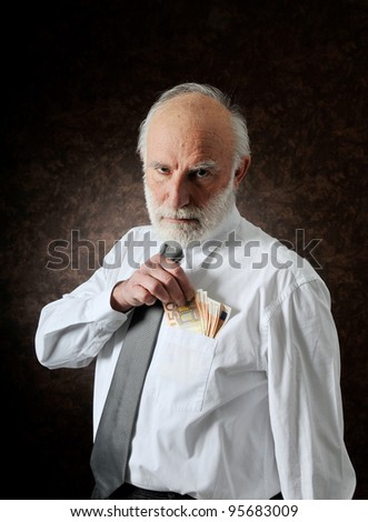 an old man count his money