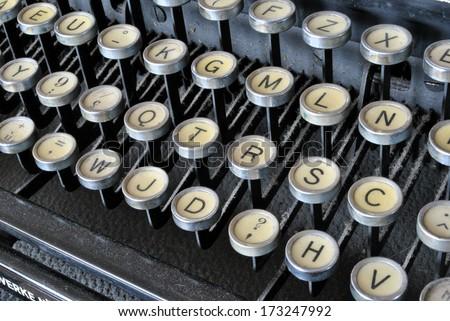 an old typewriter black metal still working