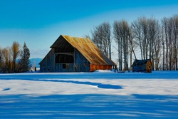 An old, vintage barn near Crater Lake, Oregon