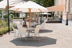 An outside cafe in Warsaw park Lazienki.
