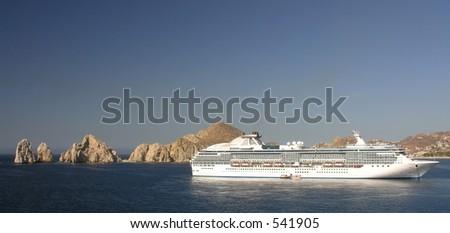 Anchoring cruiseship in the bay of Cabo San Lucas / Mexico