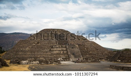 Ancient aztek pyramids in Teotihucan #1011307294