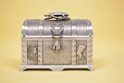 Ancient Style Jewelry Metal Box