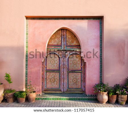Ancient traditional Arabian architecture - door