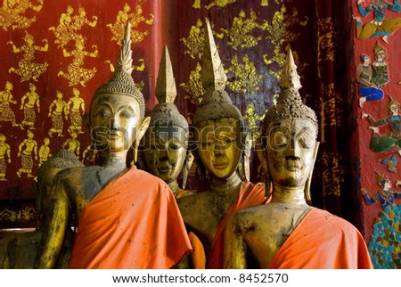 ancient wooden buddha statues