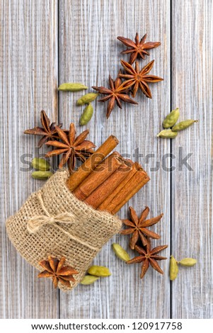 Anise, cinnamon and cardamom