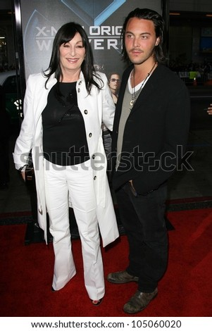 Anjelica Huston and Jack Huston at the Industry Screening of \'X-Men Origins Wolverine\'. Grauman\'s Chinese Theater, Hollywood, CA. 04-28-09