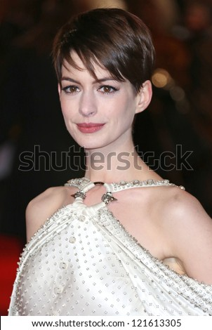 Anne Hathaway arriving at the World Premiere of 'Les Miserables' held at the Odeon & Empire Leicester Square, London. 05/12/2012 Picture by: Henry Harris