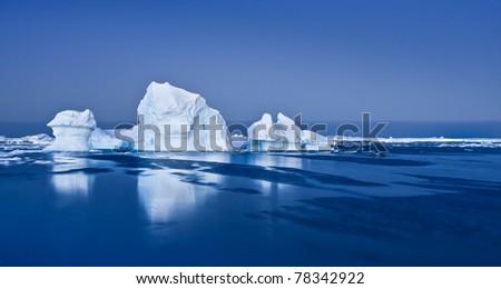 Antarctic Glacier in the snow #78342922