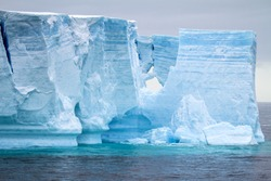 Antarctic Peninsula - Palmer Archipelago - Neumayer Channel - Global warming - Tabular Iceberg in Bransfield Strait