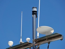 Antennas, radar, anemometer and other communication and navigation equipment on the mast of ship