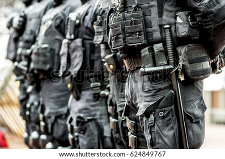 Anti-terrorist police observed a black tactical exercises