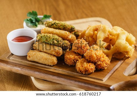 Shutterstock appetizer in the bar