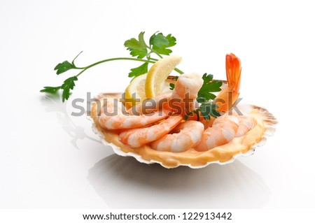 Appetizer with pink shrimps