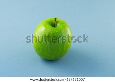 Apple. #687681007