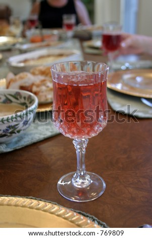 Apple cider at the Thanksgiving Dinner table