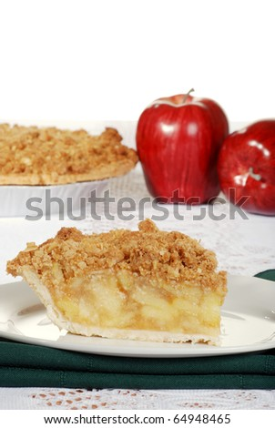 apple crumble with fresh fruit