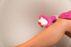 apply moisturizer on the legs until depilation shugaring