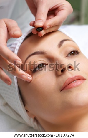 applying the vitamins treatment capsule