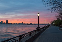 April 2017 - Sunset view on Hudson river from Battery park City Esplanade.