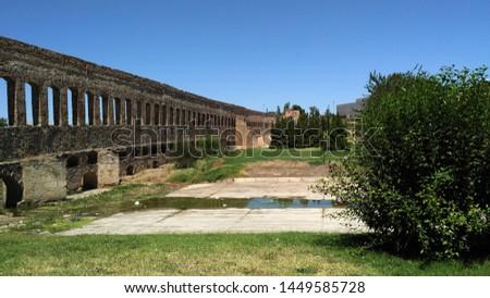 Aqueduc in Merida (Augusta Emerita). Roman City - Temples, Theatres, Monuments, Sculptures and Arenas -  Estremadura, Spain #1449585728