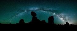 Arches National Park, Balanced Rock, Night sky