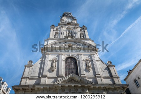 Architecture detail of the Holy Cross Church of Nantes on a summer day Photo stock ©