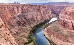 Arizona Horseshoe Bend on Colorado River in Glen Canyon, Arizona, USA