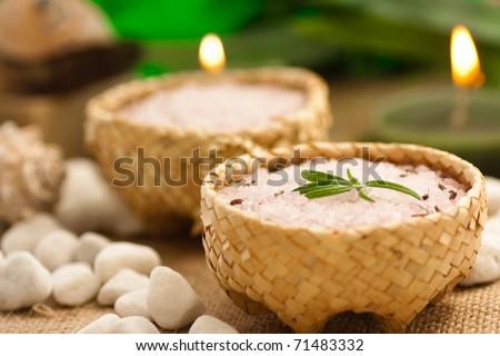 Aromatic bath salt in rustic straw bowls