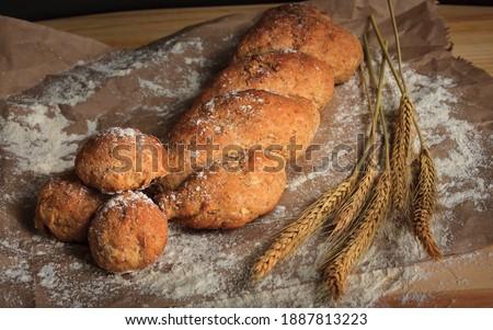 Aros de cebolla rebosado en parrilla mar y tierra  Zdjęcia stock ©