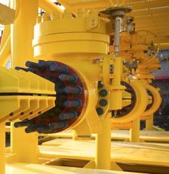 Array subsea valves oil flow control