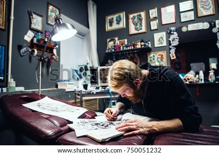 Artist man painting pencil picture