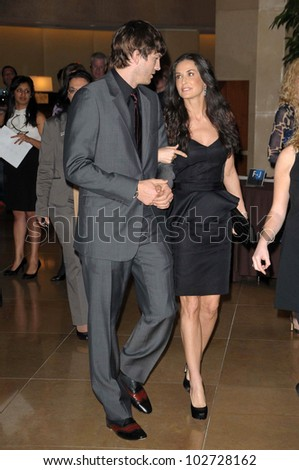 """Ashton Kutcher and Demi Moore at the 18th Annual """"A Night at Sardi's"""" benefitting the Alzheimer's Association, Beverly Hilton, Beverly Hills, CA. 03-18-10"""